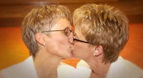 Jana and Julie 137 RT